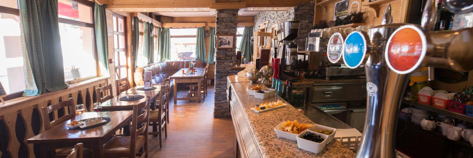 Hôtel Aigliere bar